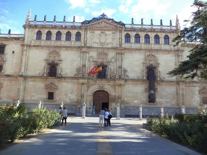 plaza de Alcala de Henares.jpg