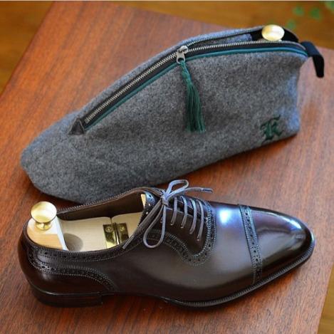 limpieza-cuidado-mantenimiento-ropa-hombre-articulo-conservacion-calzado-zapato-02