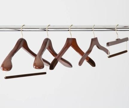 limpieza-cuidado-mantenimiento-ropa-hombre-articulo-conservacion-ropa-prendas-06