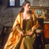 Traje Femenino en la Edad Media.