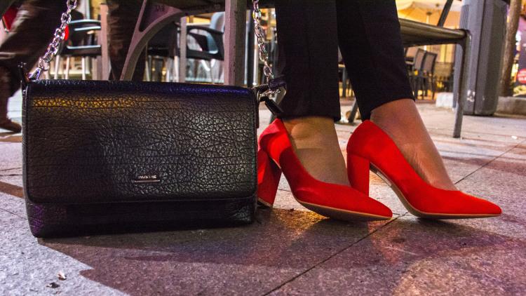 Zapatos salón tacón cuadrado