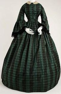 Vestido Victoriano frente.jpg
