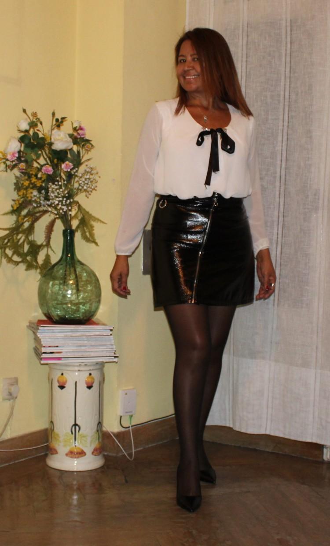 mini falda de cuero.jpg