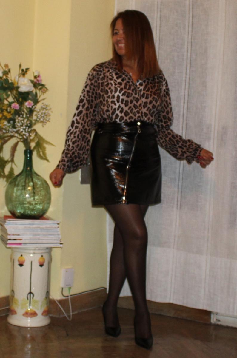 Una Falda de Cuero y ocho Look.