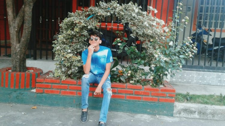 Moda urbano chico joven.