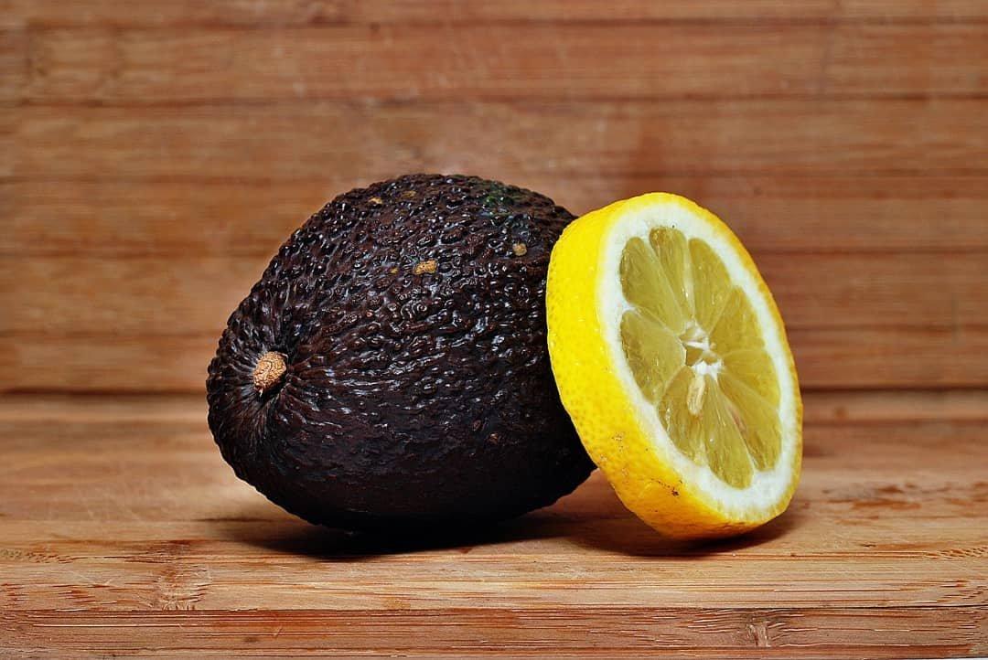 Aguacate con limón