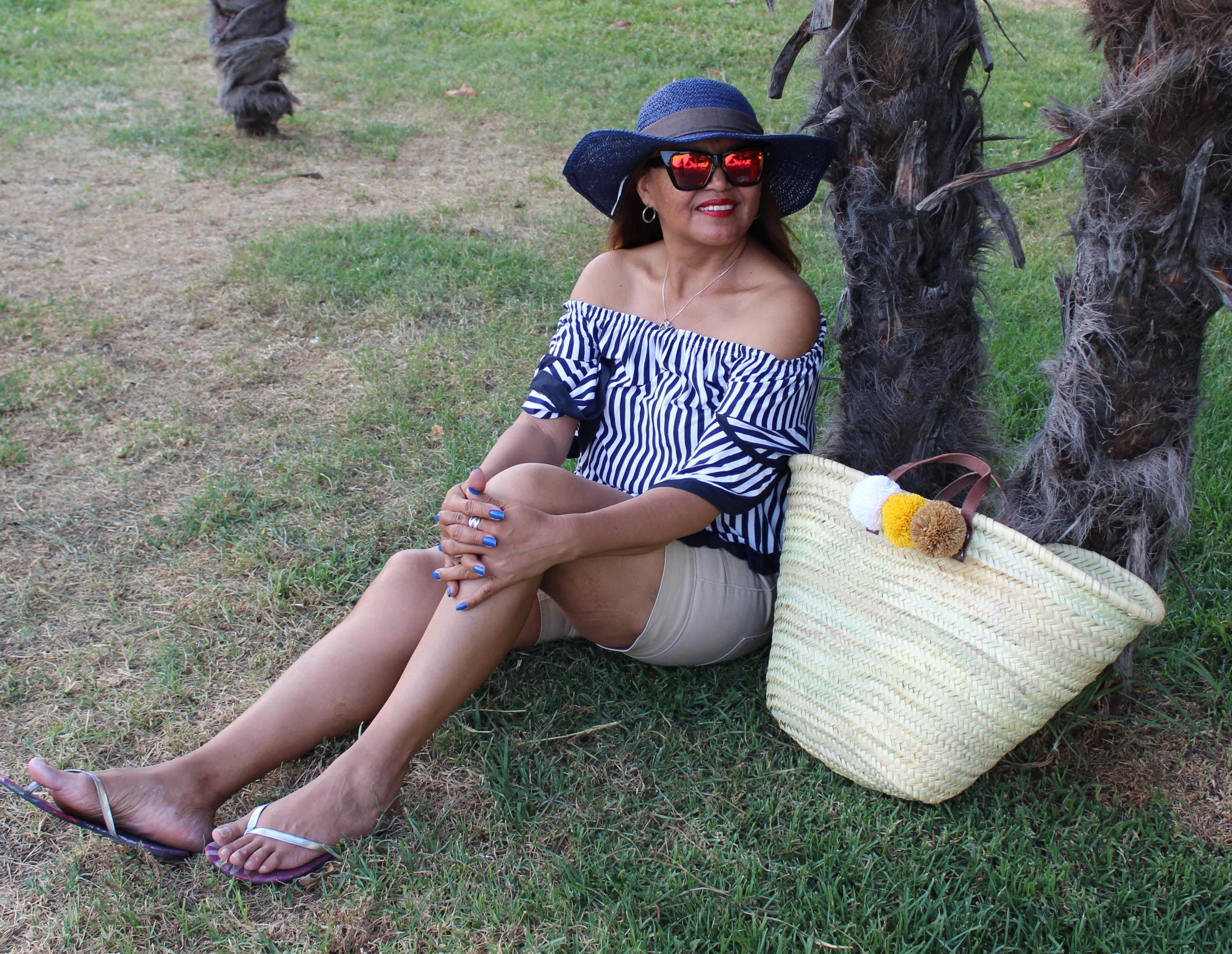 Pamela azul y cesta de rafia