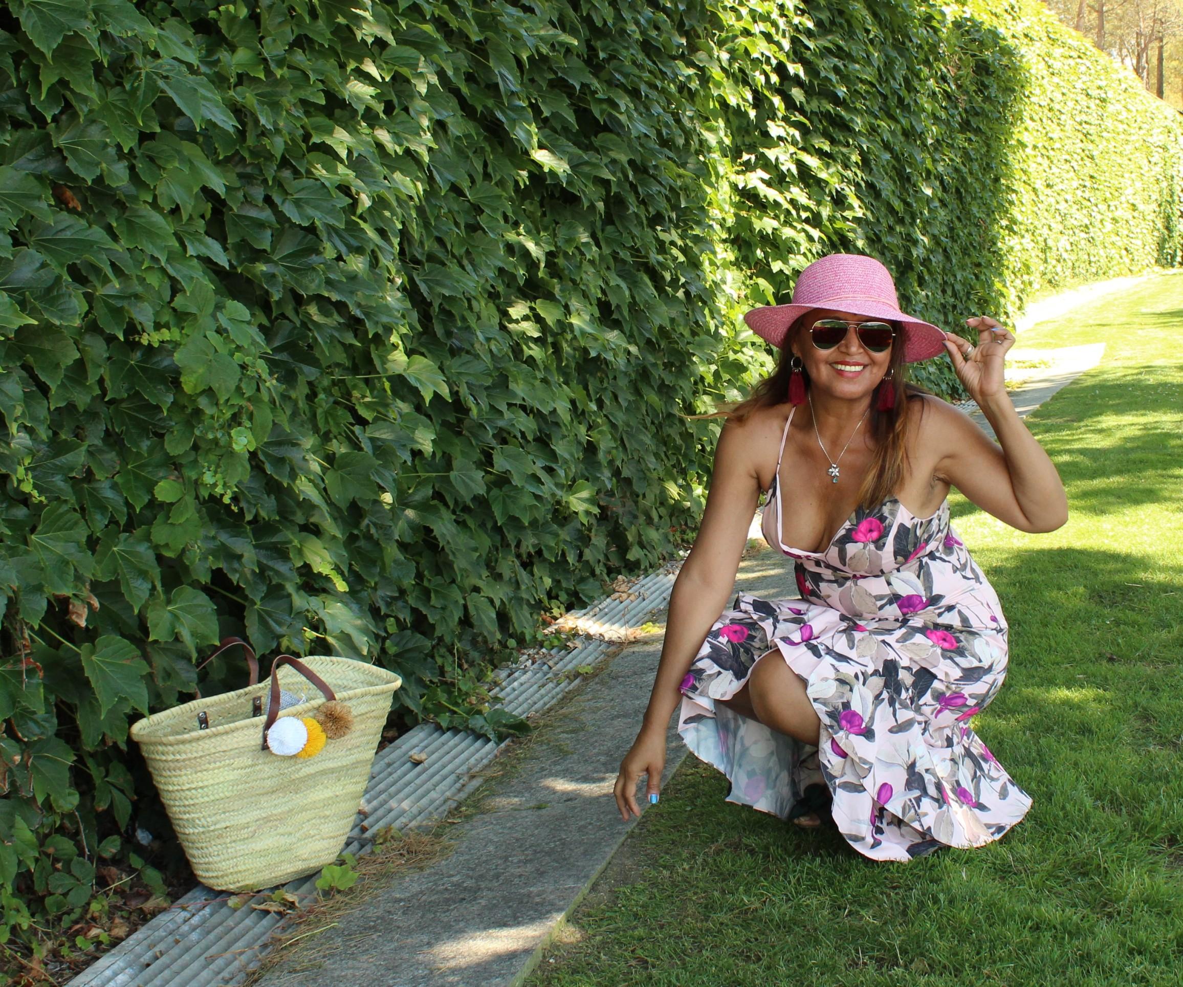Sombrero Rosa mediano con flores