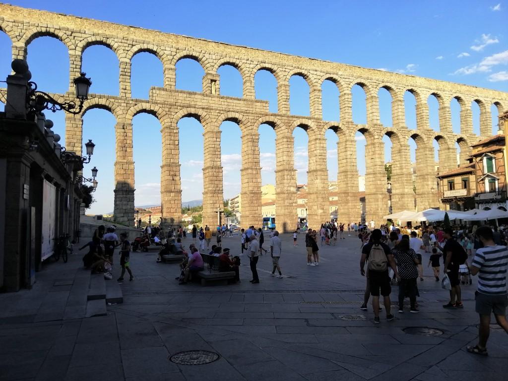 Acueducto de Segovia vista frontal.